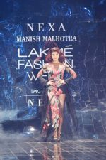 Jacqueline Fernandez Walks Ramp For Manish Malhotra At LFW Winter Festive 2017 on 20th Aug 2017
