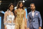 Pooja Hegde, Raghav Sachar Walks Ramp For Sonaakshi Raaj At LFW Winter Festive 2017 on 20th Aug 2017 (8)_599a7e7e50746.JPG