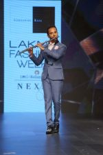 Raghav Sachar Walks Ramp For Sonaakshi Raaj At LFW Winter Festive 2017 on 20th Aug 2017 (3)_599a7e8088a36.JPG