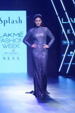 Sunny Leone Walks Ramp For Splash Show At LFW Winter Festive 2017 on 20th Aug 2017 (59)_599a8838cad04.JPG