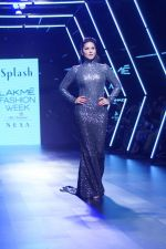 Sunny Leone Walks Ramp For Splash Show At LFW Winter Festive 2017 on 20th Aug 2017 (64)_599a883befc33.JPG