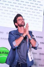 Hrithik Roshan at the Launch Of Rado Sports Collection & New Boutique Inauguration on 22nd Aug 2017 (37)_599d3f0503a56.JPG
