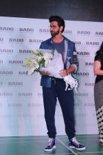 Hrithik Roshan at the Launch Of Rado Sports Collection & New Boutique Inauguration on 22nd Aug 2017 (9)_599d3ef41c836.JPG