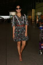 Shriya Saran Spotted At Airport on 22nd Aug 2017 (9)_599d231a6751d.JPG