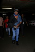 Jackie Shroff Spotted At Airport on 23rd Aug 2017 (5)_599e7128ce35f.JPG