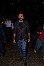 Ayushmann Khurrana Spotted At Airport on 28th Aug 2017 (4)_59a3c0d8c7ce2.JPG