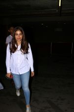 Bhumi Pednekar Spotted At Airport on 28th Aug 2017 (10)_59a3c0d42721c.JPG