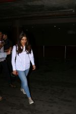 Bhumi Pednekar Spotted At Airport on 28th Aug 2017 (9)_59a3c0d2f1846.JPG