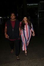 Ganesh Acharya With Wife Spotted At Airport on 28th Aug 2017 (3)_59a3c9c198654.JPG