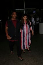 Ganesh Acharya With Wife Spotted At Airport on 28th Aug 2017 (8)_59a3c9c822708.JPG