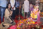 Poonam Pandey Came For Darshan At Andheri Cha Raja on 28th Aug 2017 (5)_59a5081e7e1f4.JPG