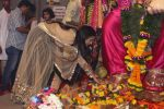 Poonam Pandey Came For Darshan At Andheri Cha Raja on 28th Aug 2017 (7)_59a5081f8739d.JPG