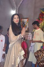 Poonam Pandey Came For Darshan At Andheri Cha Raja on 28th Aug 2017 (9)_59a50820a3690.JPG