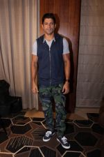 Farhan Akhtar Spotted to Promote their Film Lucknow Central on 31st Aug 2017 (15)_59a8fc823b778.JPG