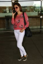 Monica Bedi Spotted At Airport on 31st Aug 2017 (12)_59a8f05a3f0eb.JPG