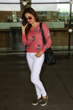 Monica Bedi Spotted At Airport on 31st Aug 2017 (3)_59a8f04fa9c9e.JPG