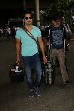 Rajeev Khandelwal Spotted At Airport on 1st sept 2017 (17)_59aa4b5f689fc.JPG