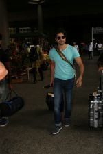 Rajeev Khandelwal Spotted At Airport on 1st sept 2017 (18)_59aa4b609a63d.JPG