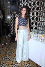 Shibani Dandekar at the Preview Of Payal Singhals Collection on 1st Sept 2017 (21)_59aab03a2d8f3.JPG