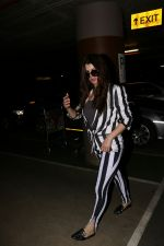 Kainaat Arora Spotted At Airport on 2nd Sept 2017 (1)_59ab75138a52e.JPG