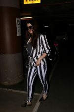 Kainaat Arora Spotted At Airport on 2nd Sept 2017 (14)_59ab752503255.JPG