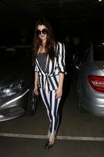 Kainaat Arora Spotted At Airport on 2nd Sept 2017 (3)_59ab7516e7d3d.JPG