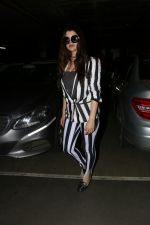Kainaat Arora Spotted At Airport on 2nd Sept 2017 (5)_59ab7519ad6b0.JPG
