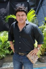 Ali Asgar On Location Of A New Chat Show on 3rd Sept 2017 (11)_59ae4aec246e2.JPG