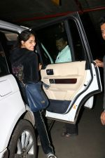 Genelia D_Souza Spotted At Airport on 4th Sept 2017 (1)_59ae4b80ad597.JPG