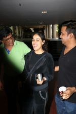 Genelia D_Souza Spotted At Airport on 4th Sept 2017 (14)_59ae4b92a9404.JPG