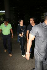 Genelia D_Souza Spotted At Airport on 4th Sept 2017 (3)_59ae4b833c16d.JPG