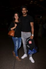 Anita Hassanandani, Rohit Reddy Spotted At Airport on 7th Sept 2017 (12)_59b0f518a12aa.JPG