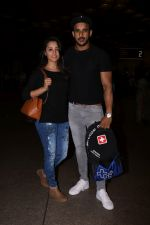 Anita Hassanandani, Rohit Reddy Spotted At Airport on 7th Sept 2017 (14)_59b0f519534bf.JPG
