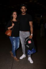 Anita Hassanandani, Rohit Reddy Spotted At Airport on 7th Sept 2017 (15)_59b0f4c158249.JPG