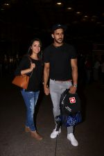 Anita Hassanandani, Rohit Reddy Spotted At Airport on 7th Sept 2017 (16)_59b0f519f013b.JPG