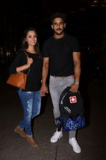 Anita Hassanandani, Rohit Reddy Spotted At Airport on 7th Sept 2017 (18)_59b0f51b6f915.JPG