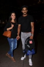 Anita Hassanandani, Rohit Reddy Spotted At Airport on 7th Sept 2017 (19)_59b0f4c28e687.JPG