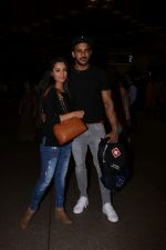 Anita Hassanandani, Rohit Reddy Spotted At Airport on 7th Sept 2017 (4)_59b0f515c93d7.JPG