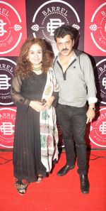 Vandana Khattar and Rajesh Khattar at the Launch Party of Barrel & Co on 7th Sept 2017_59b1128e5c246.JPG