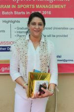Priya Dutt at the Event Dutt_s The Way A Tribute To Nargis Dutt on 9th Sept 2017 (25)_59b4b7368d1b4.JPG