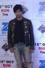 Himesh Reshammiya at the Red Carpet Of The Grand Celebration Of Zee Rishtey Awards 2017 on 10th Sept 2017 (291)_59b63071f322e.JPG