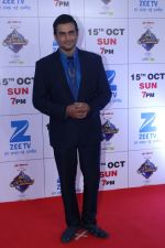 Madhavan at the Red Carpet Of The Grand Celebration Of Zee Rishtey Awards 2017 on 10th Sept 2017 (228)_59b6315ae5872.JPG
