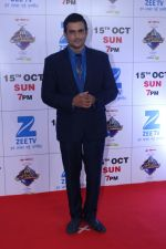 Madhavan at the Red Carpet Of The Grand Celebration Of Zee Rishtey Awards 2017 on 10th Sept 2017 (234)_59b6315ed350a.JPG