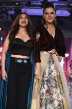Udita Goswami Spotted At Bombay Times Fashion Week 2017 on 10th Sept 2017 (1)_59b6350d9e204.JPG