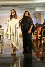 Farah Ali Khan Walk The Ramp For Monisha Jaisingh, Pallavi & Bhairavi Jaikishan on 12th Sept 2017 (146)_59b8d7de2fe4b.JPG