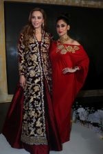 Lulia Vantur, Lucky Morani Walk The Ramp For Monisha Jaisingh, Pallavi & Bhairavi Jaikishan on 12th Sept 2017 (14)_59b8d7fa1304e.JPG