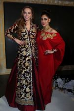 Lulia Vantur, Lucky Morani Walk The Ramp For Monisha Jaisingh, Pallavi & Bhairavi Jaikishan on 12th Sept 2017 (16)_59b8d7faaa67f.JPG
