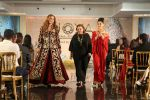 Lulia Vantur, Lucky Morani Walk The Ramp For Monisha Jaisingh, Pallavi & Bhairavi Jaikishan on 12th Sept 2017 (3)_59b8d7f72df73.JPG