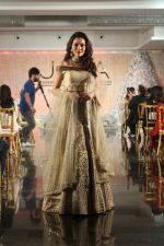 Waluscha de Sousa Walk The Ramp For Monisha Jaisingh, Pallavi & Bhairavi Jaikishan on 12th Sept 2017 (136)_59b8d93f2c8af.JPG