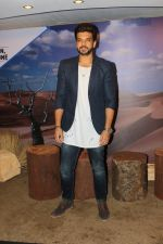 Karan Kundra at the interview For Stupid Man Smart Phone on 13th Sept 2017 (2)_59ba205cb80f8.JPG